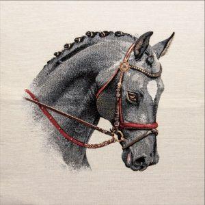 Dettaglio Trittico gobelin centrotavola cavallo