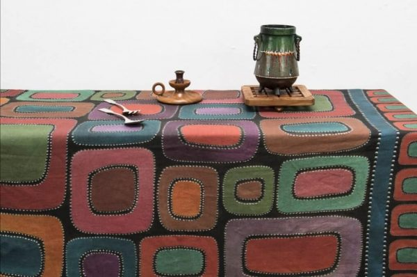 Tovaglia mezzero in puro lino fantasia geometrica