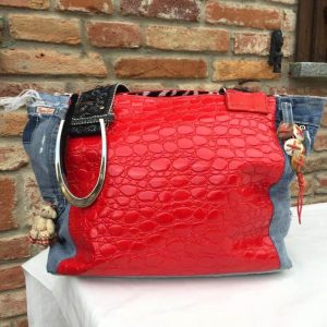 retro borsa in pelle rossa